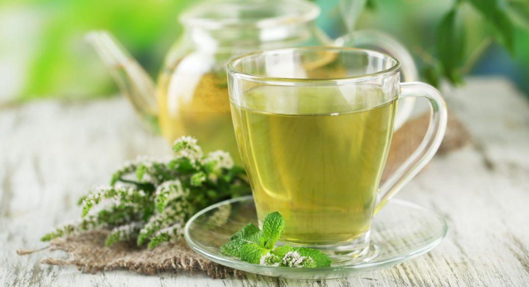 Green Tea with Glass Pot